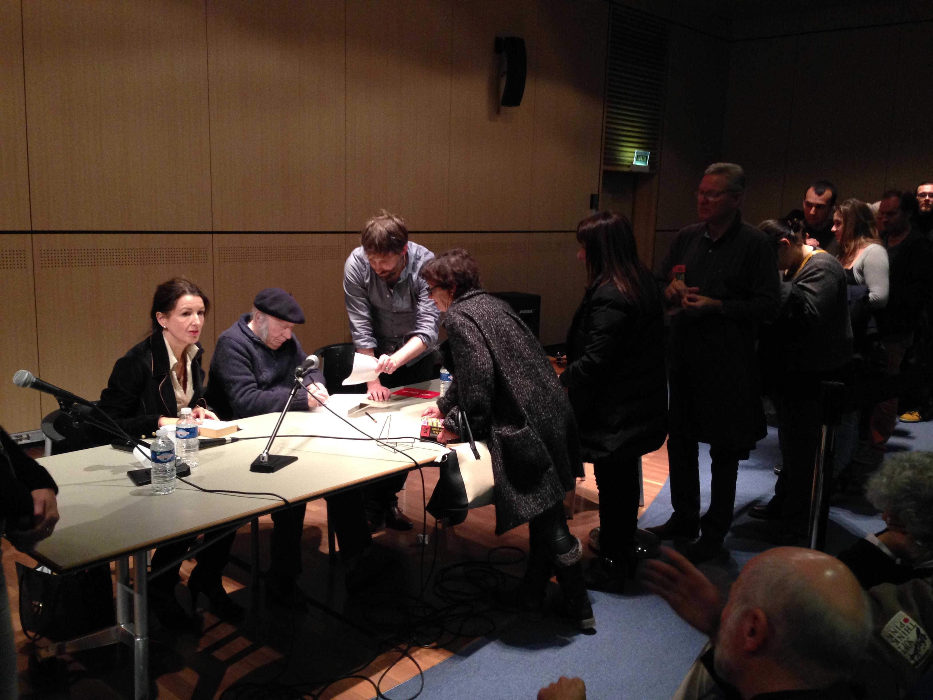 Edgar Hilsenrath signing books in Marseille, October 2015.